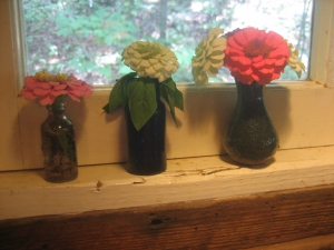 Small, sweet and simple -- my favorite way to display zinnias.